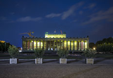 Altesmuseum (museum av forntider) som byggs i året 1830 i Berlin Arkivbilder