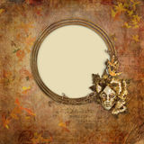 Altgold gestaltet viktorianische Art auf dem Weinlesehintergrund Lizenzfreie Stockfotografie