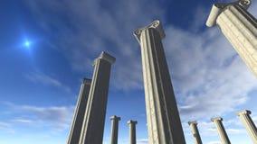 Altgriechische Säulen errichtet in einer Runde Stockfotografie