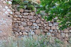 Altgriechische Stein-und Fliesen-Wand, Schongebiet von Apollo, Berg Parnassus, Griechenland Lizenzfreies Stockfoto