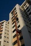 Alti appartamenti dell'edilizia popolare di aumento a Singapore Immagini Stock