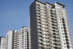 Alti appartamenti di aumento immagine stock