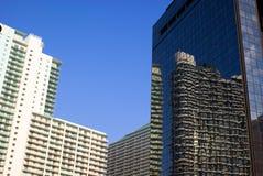 Alti edifici per uffici di aumento fotografie stock