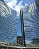Alti scyscrapers moderni a Milano immagini stock libere da diritti