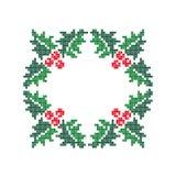 Altijdgroene hulst met bessen Het blauwe magische frame van Kerstmis Royalty-vrije Stock Fotografie