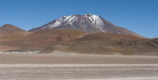 Altiplano av den Siloli öknen, del av Reservaen Eduardo Avaroa, Bolivia - på en höjd av 4600m nära gränsen av C Fotografering för Bildbyråer