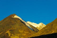 Altiplano snöberg Royaltyfria Bilder