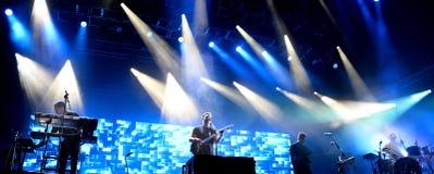 AltJ (制片者摇滚乐队)执行在Primavera声音2015年节日 库存图片