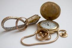 Altmodische Uhren und Ring Lizenzfreies Stockfoto
