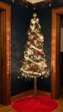 Altmodische Weihnachtsbaum-Ecke Stockfotos