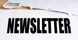 Altmodischer Newsletter mit Umschlag Stockfotos