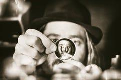 Altmodischer Wissenschaftler stockfotografie
