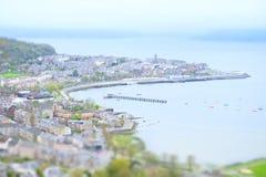 Alto aéreo de la opinión miniatura de la ciudad de la ciudad de la playa sobre el muelle Escocia del inverclyde del gourock de la Fotografía de archivo libre de regalías