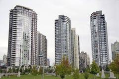 Alto-canalizaciones verticales en Vancouver Foto de archivo libre de regalías