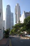Alto centro de ciudad de los edificios Singapur Imagenes de archivo