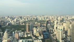 Alto edificio de la opinión de Bangkok