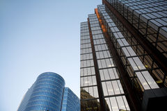Alto edificio de la subida Fotografía de archivo libre de regalías