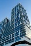 Alto edificio de la subida Imágenes de archivo libres de regalías