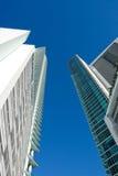Alto edificio de la subida de Miami Imágenes de archivo libres de regalías