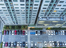 Alto edificio de la subida del top Fotografía de archivo libre de regalías