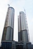 Alto edificio doble. Imagenes de archivo