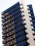 Alto edificio moderno de la subida Foto de archivo libre de regalías