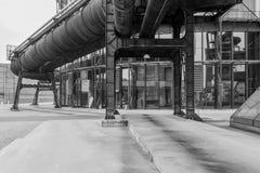 Alto-forno velho da fábrica fotografia de stock