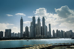 Alto grattacielo blu di lusso della costruzione Immagini Stock Libere da Diritti