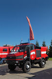 Alto lancio del camion dei vigili del fuoco Fotografie Stock