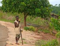 ALTO MOLOCUE, MOZAMBIQUE - 7 DE DICIEMBRE DE 2008: Hombre africano desconocido Imágenes de archivo libres de regalías
