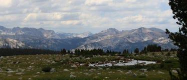 Alto Mountain View Foto de archivo libre de regalías