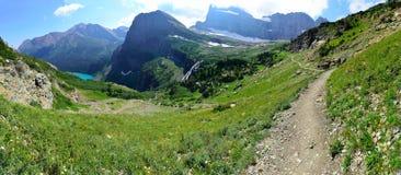 Alto paesaggio panoramico alpino della traccia del ghiacciaio di Grinnell in Glacier National Park, Montana Immagini Stock
