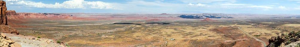 Alto panorama del desierto del res los E.E.U.U. de la pantalla ultra ancha fotografía de archivo