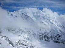 Alto pico en el Himalaya Foto de archivo libre de regalías