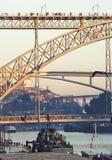 Alto ponte sopra il fiume Fotografia Stock Libera da Diritti