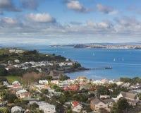 Alto punto de visión icónico de la ciudad de Auckland fotos de archivo