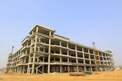 Alto sito dell'edilizia residenziale di aumento in una città Fotografia Stock Libera da Diritti