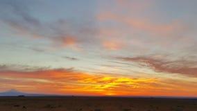 Alto tramonto del deserto con il cappuccio di Mt Fotografia Stock