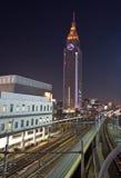 Alto treno della città di aumento Fotografie Stock