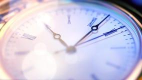 Alto vicino dell'orologio da tasca archivi video