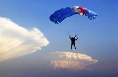 Altocumulus do paraquedas. imagens de stock royalty free