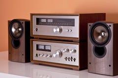 Altofalantes estereofónicos do afinador do amplificador do vintage Imagem de Stock Royalty Free