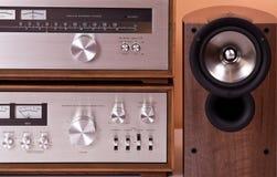 Altofalantes estereofónicos do afinador do amplificador do vintage Fotografia de Stock Royalty Free