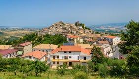 Altomonte, kleine Italiaanse stad stock afbeelding