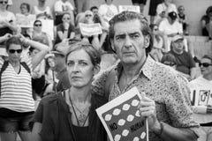 Altoparlante di protesta di raduno dell'orologio di separazione della famiglia delle coppie fotografia stock libera da diritti
