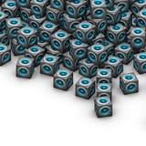 Altoparlante per basse frequenze blu cubico del sistema acustico su bianco Immagini Stock