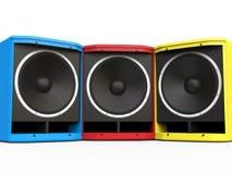 Altoparlanti rossi, blu e gialli dell'altoparlante per basse frequenze Immagine Stock Libera da Diritti