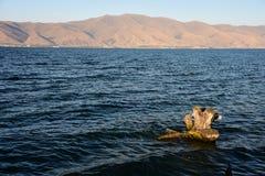 Altopiani armeni Lago Sevan Immagini Stock Libere da Diritti