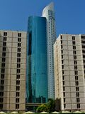 A altura de assoalho Skyscrape e dois 15 do lugar 56 do parque de Ascott pavimenta construções Dubai Fotos de Stock Royalty Free