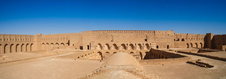 AlUkhaidir堡垒屋顶视图在卡尔巴拉伊拉克附近的 免版税库存图片